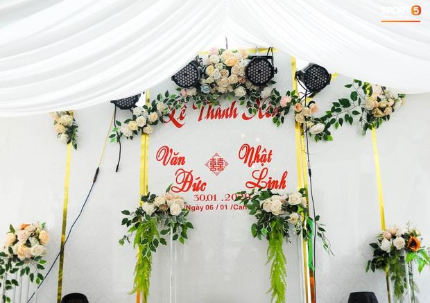 Văn Đức trao nhẫn cưới cho Nhật Linh, khép lại đám cưới nhanh như chớp - Ảnh 31.