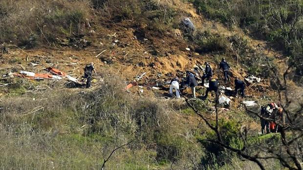 Xót xa trước hình ảnh vừa được công bố về vụ tai nạn thảm khốc cướp đi mạng sống của Kobe Bryant: Sau khi nổ tung, tất cả chỉ còn hoang tàn và đổ nất - Ảnh 5.