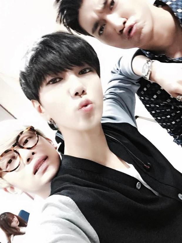 Yesung (Super Junior) từng muốn phẫu thuật thẩm mỹ để có đôi mắt giống Heechul & Siwon - Ảnh 2.