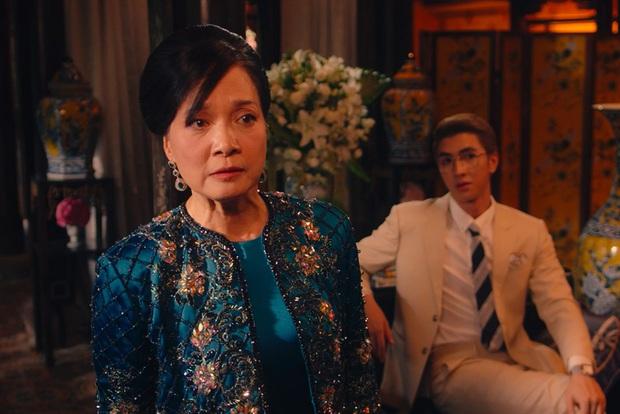 Gái Già Lắm Chiêu 3 VS. Crazy Rich Asians: Giống nhau concept xa hoa, mẹ chồng cùng xuất thân nhưng lại ghét con dâu; riêng đoạn kết gửi thông điệp khác phim gốc? - Ảnh 8.