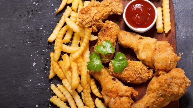 5 loại thực phẩm gây ung thư hàng đầu có thể bạn vẫn đang ăn hàng ngày: Các món ăn để qua đêm xếp thứ ba - Ảnh 1.