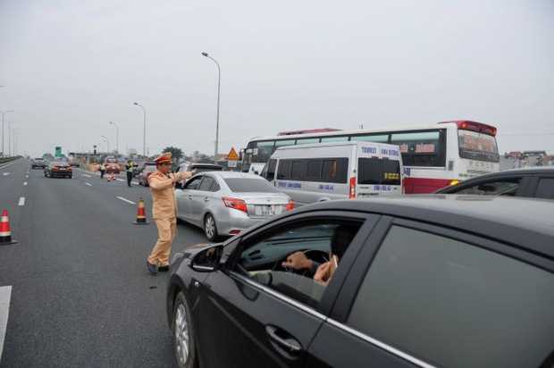 6 ngày nghỉ Tết, 2.298 ma men lái xe bị CSGT xử phạt - Ảnh 2.