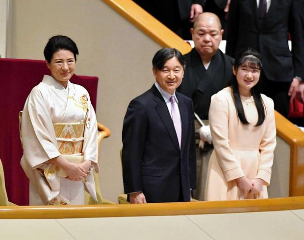 Hai nàng công chúa Nhật Bản gây chú ý với hai hình ảnh khác nhau một trời một vực: Người tỏa sáng rạng ngời, người ngày càng gây thất vọng - Ảnh 2.