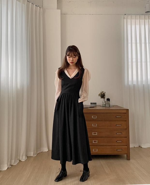 Combo váy áo được gái xinh xứ Hàn diện nhiệt tình nhất đợt này: Hack tuổi siêu ổn và thừa điểm thanh lịch để diện đến công sở  - Ảnh 3.