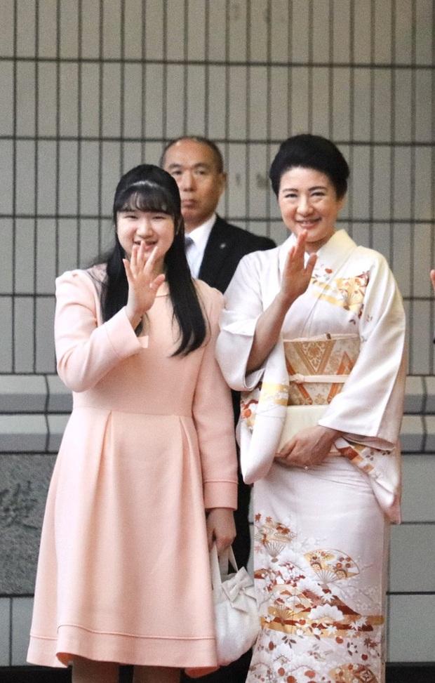Hai nàng công chúa Nhật Bản gây chú ý với hai hình ảnh khác nhau một trời một vực: Người tỏa sáng rạng ngời, người ngày càng gây thất vọng - Ảnh 3.