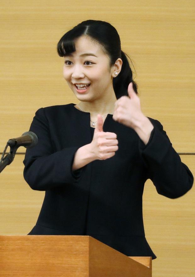 Hai nàng công chúa Nhật Bản gây chú ý với hai hình ảnh khác nhau một trời một vực: Người tỏa sáng rạng ngời, người ngày càng gây thất vọng - Ảnh 4.