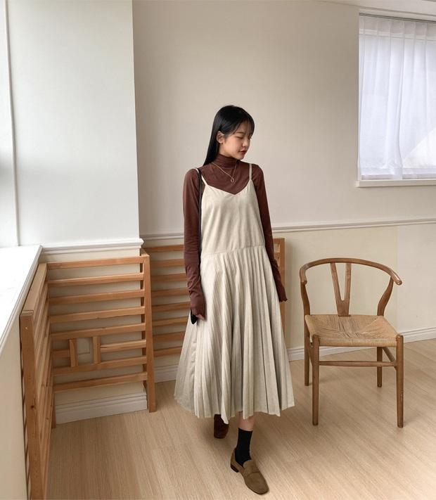 Combo váy áo được gái xinh xứ Hàn diện nhiệt tình nhất đợt này: Hack tuổi siêu ổn và thừa điểm thanh lịch để diện đến công sở  - Ảnh 5.