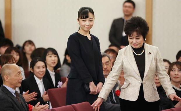 Hai nàng công chúa Nhật Bản gây chú ý với hai hình ảnh khác nhau một trời một vực: Người tỏa sáng rạng ngời, người ngày càng gây thất vọng - Ảnh 6.