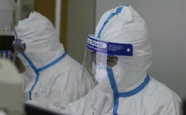 Hong Kong tìm ra vắc xin virus corona gây bệnh viêm phổi cấp - Ảnh 1.