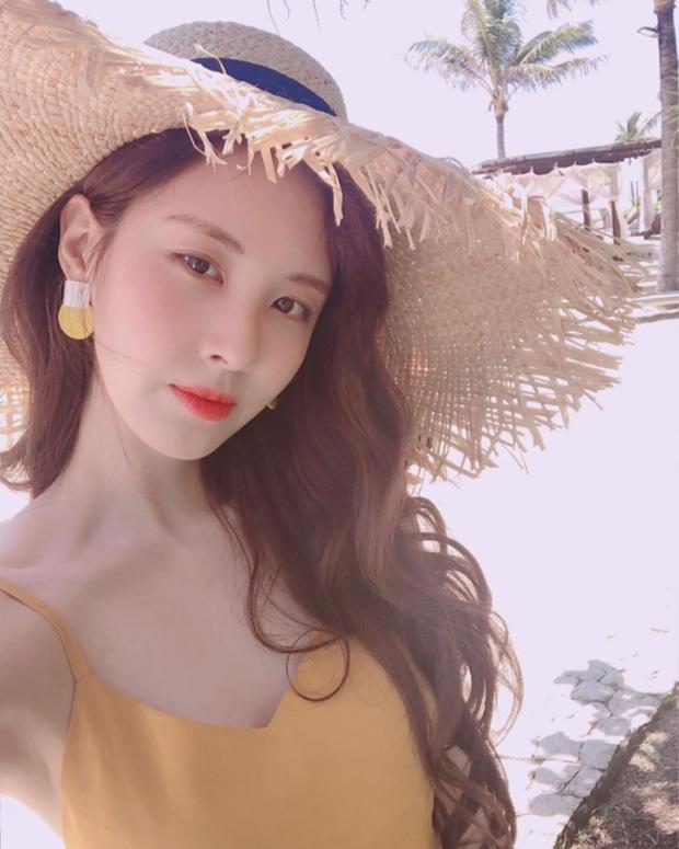 """Không nhận ra Seohyun dạo này: Chuyển phỏm từ style tiểu thư sang sexy """"chơi bời"""", mặc càng bạo lại càng đẹp - Ảnh 1."""