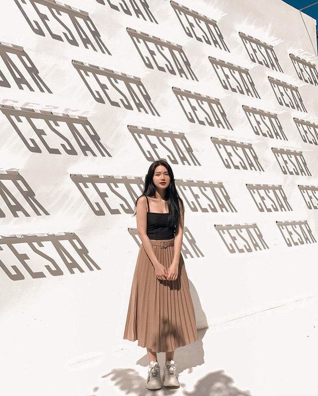 Street style Tết của hội hot girl sành mặc Instagram: Dù diện áo dài hay váy áo kiểu cách cũng đều sang chảnh, xinh tươi hết nút - Ảnh 8.