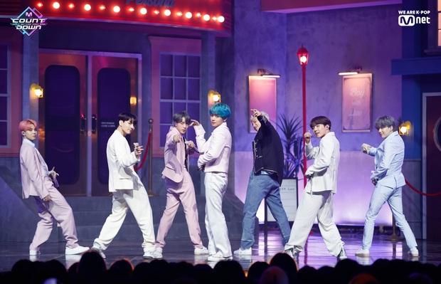 Nghệ sĩ được dự đoán dẫn đầu Kpop 2020: BLACKPINK mất hút, thua 3 nhóm nữ; 1 ca sĩ solo và tân binh hát nhép bài TWICE góp mặt - Ảnh 1.