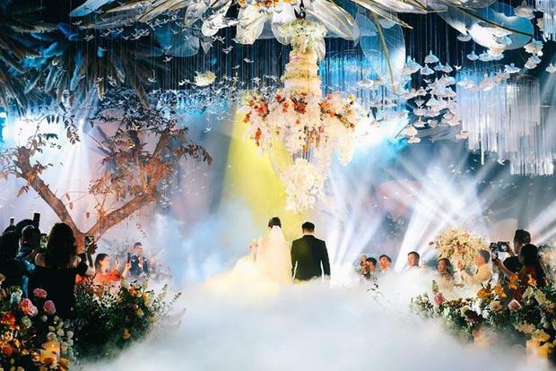 Chia sẻ của cô dâu trong đám cưới xa hoa 54 tỷ ở Quảng Ninh: Cưới là dịp đặc biệt nên gia đình cố gắng tổ chức sao cho ý nghĩa nhất - Ảnh 2.