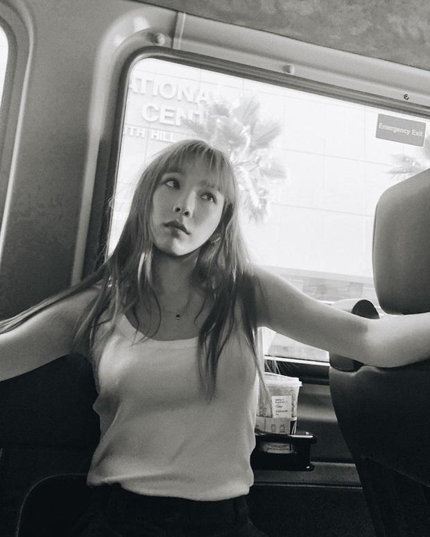 Lo lắng tột độ Taeyeon (SNSD) tiếp tục đăng ảnh trong phòng tối kèm 2 từ Xin lỗi sau thông điệp Tạm biệt - Ảnh 3.