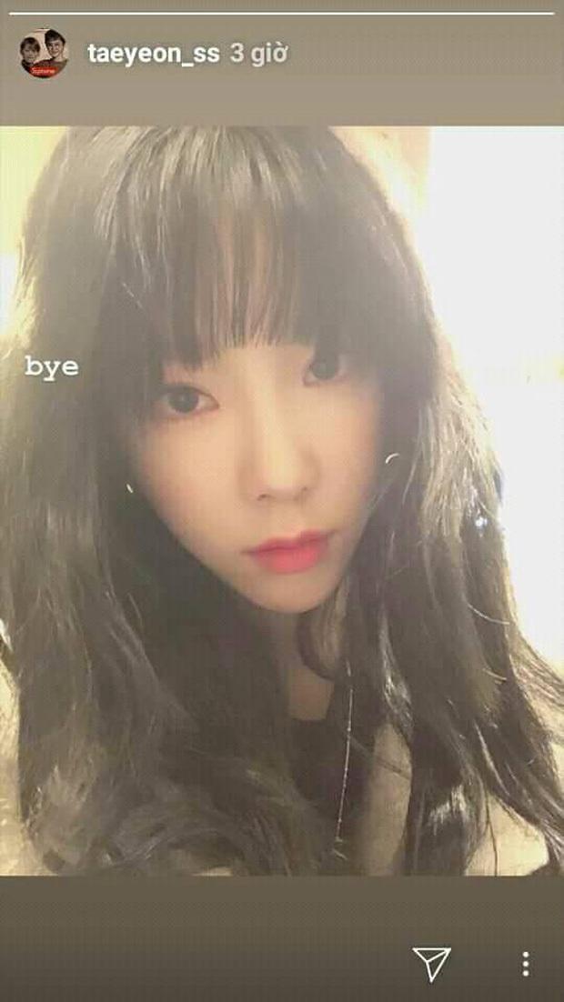 Lo lắng tột độ Taeyeon (SNSD) tiếp tục đăng ảnh trong phòng tối kèm 2 từ Xin lỗi sau thông điệp Tạm biệt - Ảnh 2.