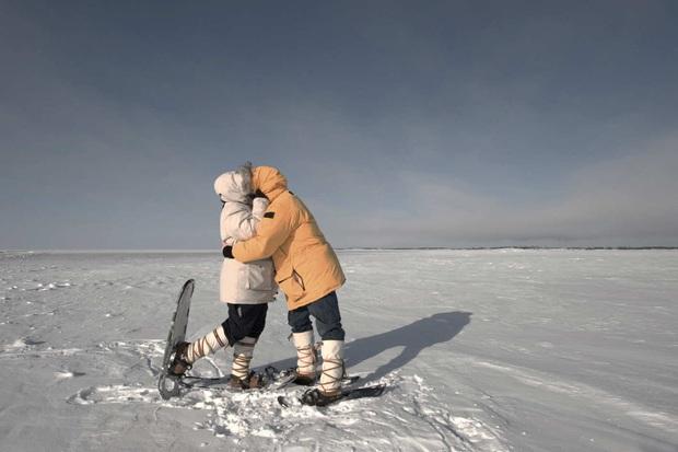Cú quẹt Tinder ấn tượng nhất thập kỷ: Match ở tận Nam Cực, tưởng toang nhưng cũng ra gì và này nọ đấy! - Ảnh 2.