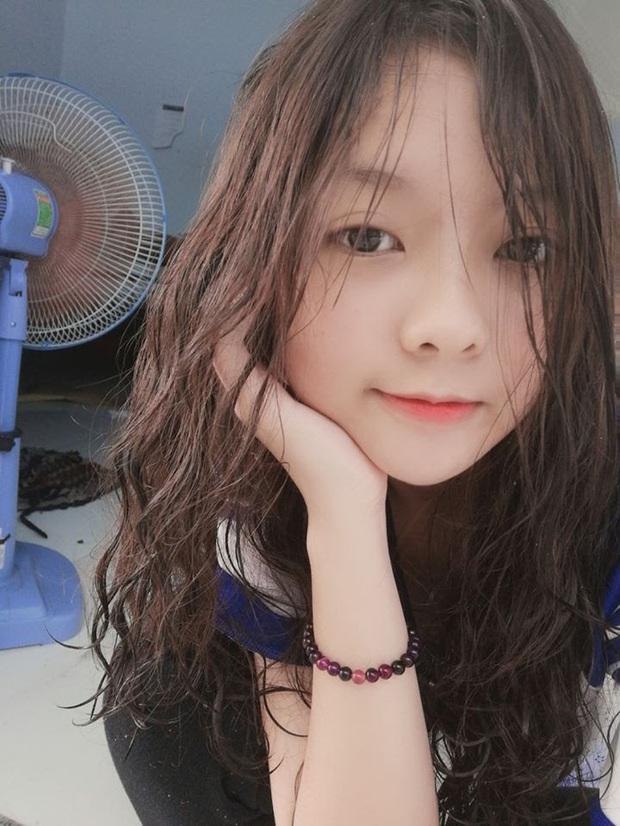 Ngọc Trinh, Uyên Pu, Mina Young cùng loạt hot girl triệu view được Thầy giáo Ba nhìn trúng - Ảnh 10.