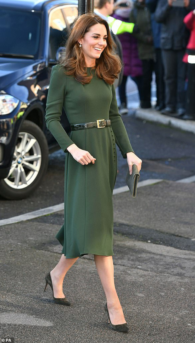 Nổi tiếng là tiết kiệm nhưng năm 2019 Công nương Kate chi tới 4,2 tỉ tiền mua quần áo, nhiều gấp đôi năm ngoái - Ảnh 3.