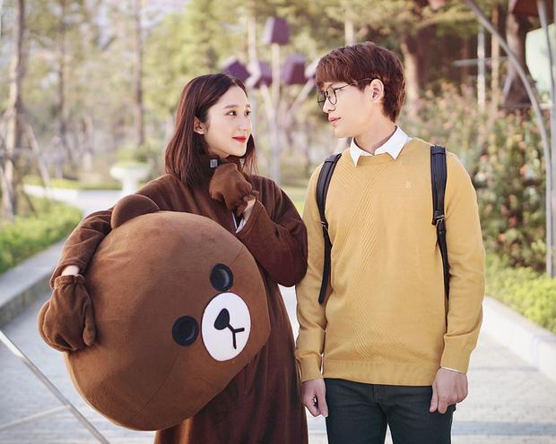 Ngọc Trinh, Uyên Pu, Mina Young cùng loạt hot girl triệu view được Thầy giáo Ba nhìn trúng - Ảnh 6.