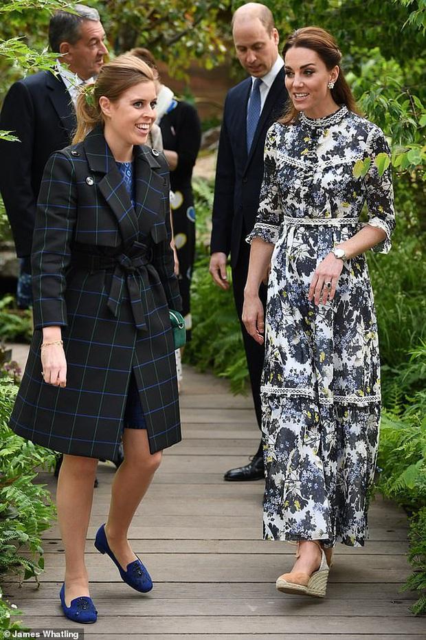 Nổi tiếng là tiết kiệm nhưng năm 2019 Công nương Kate chi tới 4,2 tỉ tiền mua quần áo, nhiều gấp đôi năm ngoái - Ảnh 10.