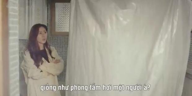 3 hạt sạn khó hiểu của Crash Landing On You: Chị đẹp Son Ye Jin tắm từ sáng đến tối mà vẫn chưa xong? - Ảnh 2.