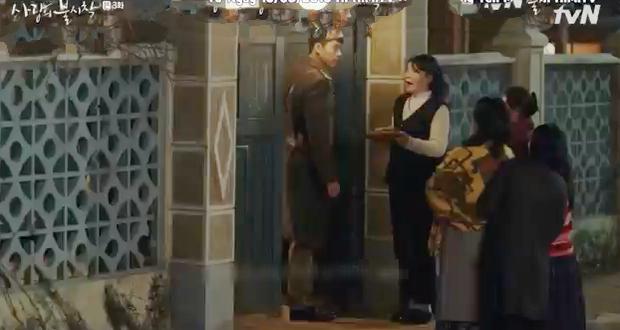 3 hạt sạn khó hiểu của Crash Landing On You: Chị đẹp Son Ye Jin tắm từ sáng đến tối mà vẫn chưa xong? - Ảnh 14.