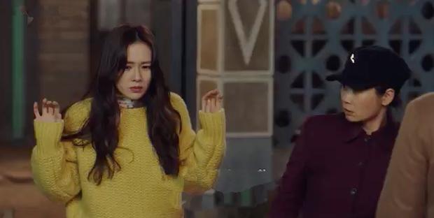3 hạt sạn khó hiểu của Crash Landing On You: Chị đẹp Son Ye Jin tắm từ sáng đến tối mà vẫn chưa xong? - Ảnh 11.