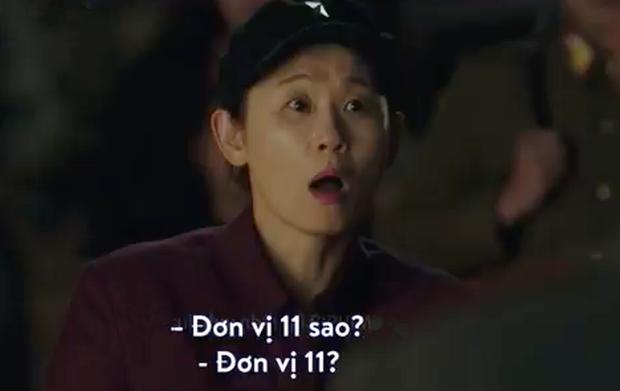 3 hạt sạn khó hiểu của Crash Landing On You: Chị đẹp Son Ye Jin tắm từ sáng đến tối mà vẫn chưa xong? - Ảnh 13.