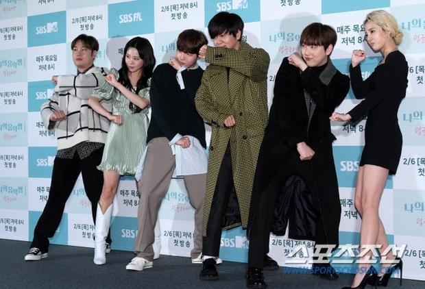 Yêu tinh hack tuổi Dara khoe body nuột bất ngờ hậu lễ Tết, JooE (MOMOLAND) gây tranh cãi với visual ảo tại sự kiện - Ảnh 9.