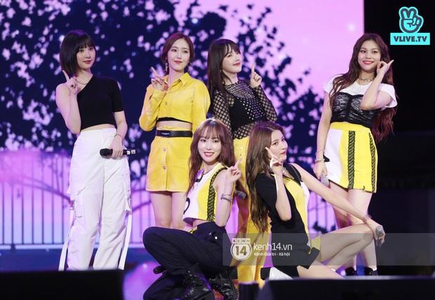 Xuýt xoa 1500 khoảnh khắc xuất thần của idol Hàn khi biểu diễn tại Việt Nam, nhưng nhìn sang các nghệ sĩ Vpop cũng chẳng hề kém cạnh chút nào! - Ảnh 40.