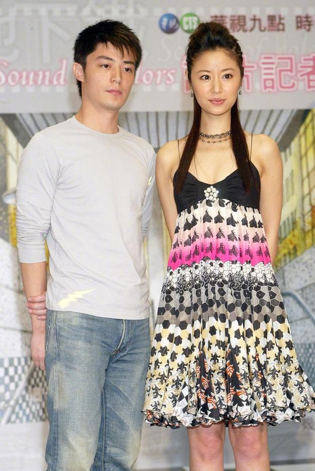 Bộ ảnh 14 năm trước hot trở lại: Hoắc Kiến Hoa gượng gạo, Lâm Tâm Như tươi rói, ai ngờ 2 người lại thành vợ chồng - Ảnh 1.