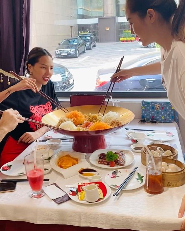 Dân tình tò mò khi thấy Kỳ Duyên ăn đĩa gỏi to như… cái chậu trong ngày đầu tiên đi làm, bất ngờ hơn khi biết ý nghĩa của nó - Ảnh 5.
