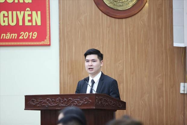 Con trai của bầu Hiển lên làm chủ tịch Hà Nội FC: Trẻ tuổi, tài năng và cũng rất điển trai - Ảnh 1.