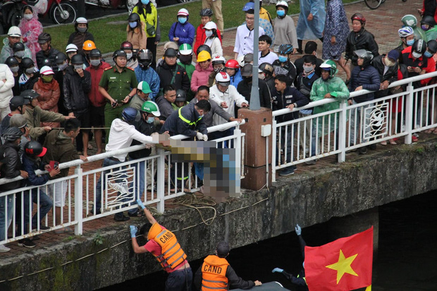 Bàng hoàng chứng kiến người đàn ông nhảy cầu sông Hàn tự tử chiều mùng 6 Tết - Ảnh 5.