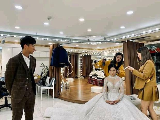 Văn Đức trao nhẫn cưới cho Nhật Linh, khép lại đám cưới nhanh như chớp - Ảnh 33.