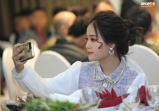 Cô chủ tiệm nail Huyền My chính thức trả lời về mối quan hệ với Quang Hải: Mình chưa trả lời được!!!! - Ảnh 2.