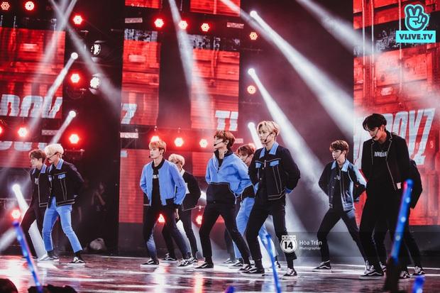 Xuýt xoa 1500 khoảnh khắc xuất thần của idol Hàn khi biểu diễn tại Việt Nam, nhưng nhìn sang các nghệ sĩ Vpop cũng chẳng hề kém cạnh chút nào! - Ảnh 46.