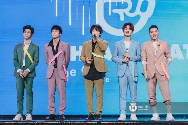 Xuýt xoa 1500 khoảnh khắc xuất thần của idol Hàn khi biểu diễn tại Việt Nam, nhưng nhìn sang các nghệ sĩ Vpop cũng chẳng hề kém cạnh chút nào! - Ảnh 24.