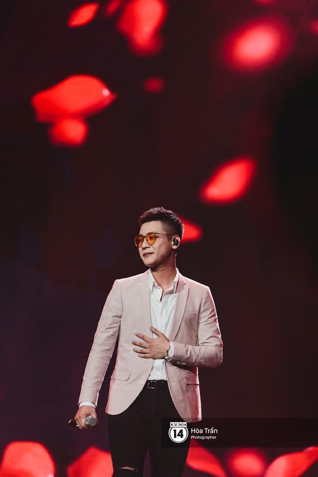 Xuýt xoa 1500 khoảnh khắc xuất thần của idol Hàn khi biểu diễn tại Việt Nam, nhưng nhìn sang các nghệ sĩ Vpop cũng chẳng hề kém cạnh chút nào! - Ảnh 25.