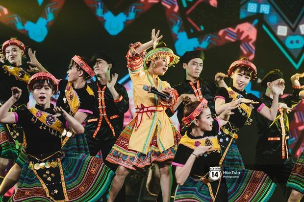 Xuýt xoa 1500 khoảnh khắc xuất thần của idol Hàn khi biểu diễn tại Việt Nam, nhưng nhìn sang các nghệ sĩ Vpop cũng chẳng hề kém cạnh chút nào! - Ảnh 32.