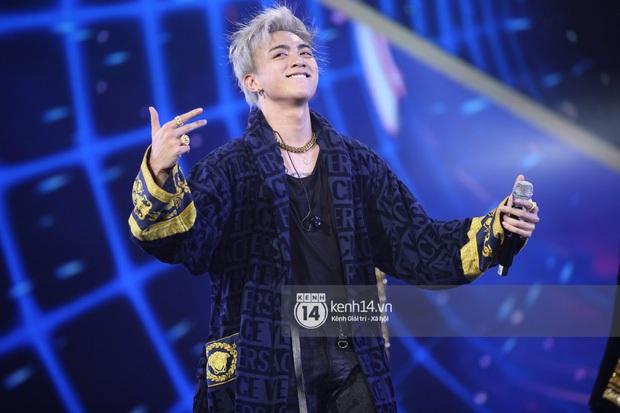 Xuýt xoa 1500 khoảnh khắc xuất thần của idol Hàn khi biểu diễn tại Việt Nam, nhưng nhìn sang các nghệ sĩ Vpop cũng chẳng hề kém cạnh chút nào! - Ảnh 12.