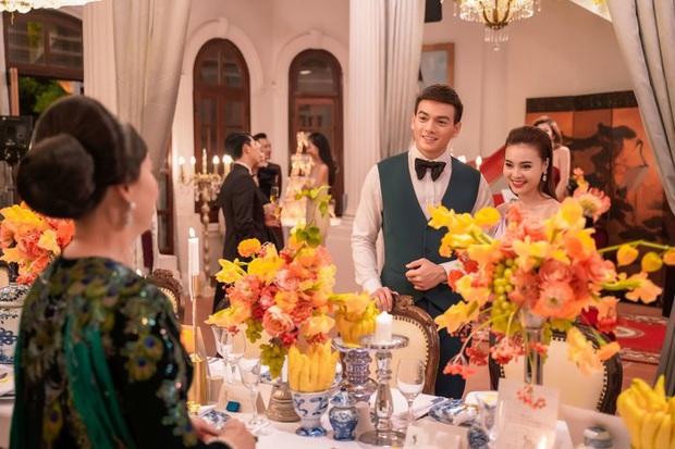 Gái Già Lắm Chiêu 3 VS. Crazy Rich Asians: Giống nhau concept xa hoa, mẹ chồng cùng xuất thân nhưng lại ghét con dâu; riêng đoạn kết gửi thông điệp khác phim gốc? - Ảnh 7.