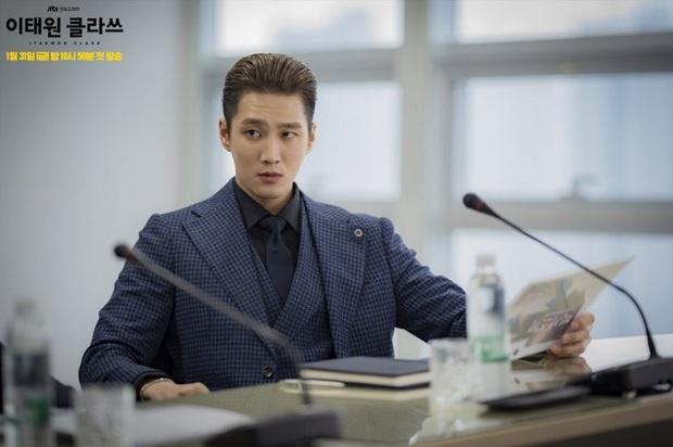 4 lí do cực ngóng Tầng Lớp Itaewon: Chủ tịch Park Seo Joon cạo đầu làm trẻ nghé báo thù, đã mắt với dàn trai xinh gái đẹp - Ảnh 8.