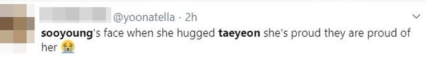 Chị chị em em SNSD tái ngộ gây bão SMA: Taeyeon nhận giải từ Sooyoung, hết ôm ấp lại tặng hoa cho nhau khiến fan ấm lòng - Ảnh 6.