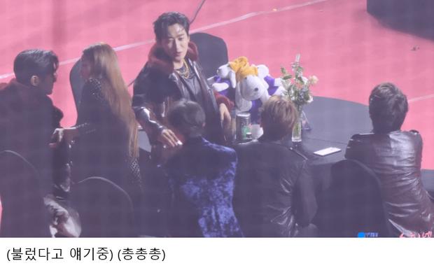 Ha Sung Woon ngồi một mình giữa bàn toàn mây, may mà có Taeyeon và Eunhyuk giải cứu thành công với hành động ấm áp gây bão netizen - Ảnh 5.