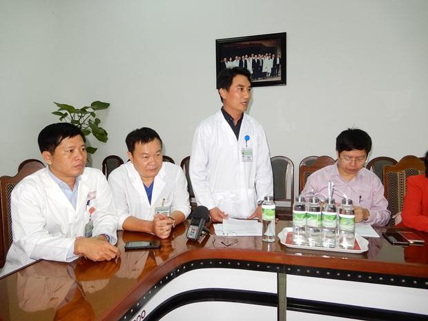 Thứ trưởng Bộ Y tế kiểm tra khu cách ly virus Corona tại BV Đà Nẵng ngay trong đêm - Ảnh 6.