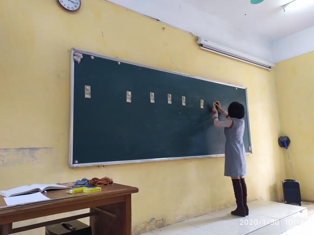 Cập nhật tình hình các lớp học ngày đầu năm mới: Học cách cầm bút, tám chuyện cùng hội bạn thân và muôn kiểu lì xì cực bá đạo của thầy cô - Ảnh 3.