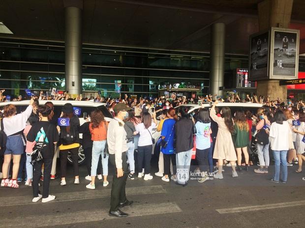 WINNER đến Việt Nam giữa đại dịch cúm Corona: Bịt kỹ bí thở, đặt chân xuống sân bay Sài Gòn vẫn kín mít vì fan quá đông - Ảnh 9.