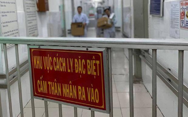 Dịch bệnh do virus corona trở thành tình trạng báo động toàn cầu, các giải đấu tại Việt Nam có nên tạm hoãn? - Ảnh 1.