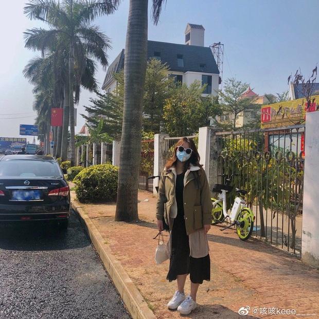 Khoe street style mùa đại dịch Corona: Lên đồ chất đến đâu cũng không thể thiếu một chiếc khẩu trang - Ảnh 5.